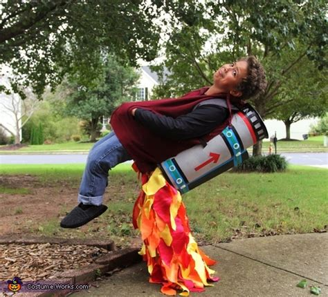 jet pack illusion costume photo