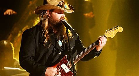 Chris Stapleton Paralyzes Audience With Old School Styled