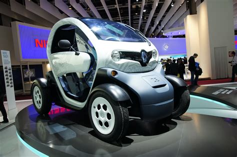 renault twizy vs smart fortwo electric cars renault twizy vs smart fortwo electric drive