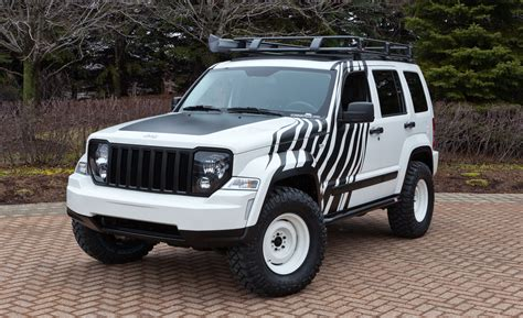 cool jeep liberty accessories jeep bringing six hopped up mopar built vehicles to