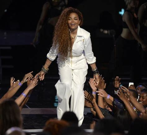 Janet Jackson Exclusive Premiere Today On Bet And Yahoo by Janet Jackson New Song Unbreakable World Premiere Pm