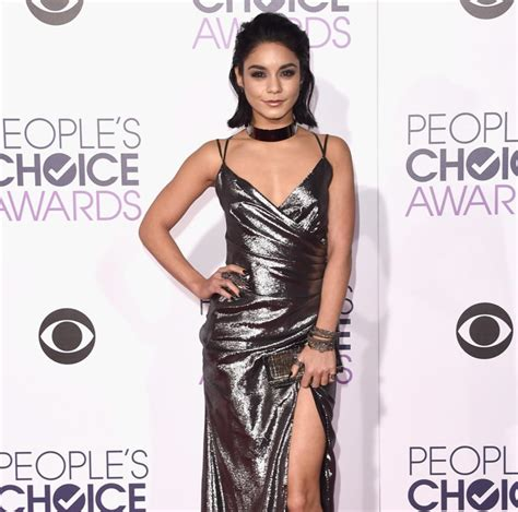 Choice Moments From Peoples Choice Awards by S Choice Awards 2016 Carpet Looks And Top Show
