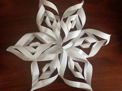 How To Make A Big Paper Snowflake - paper snowflakes http lomets