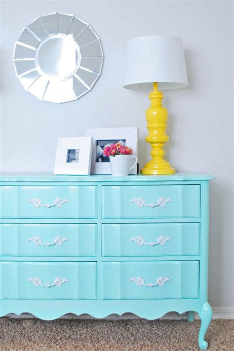 How To Paint A Laminate Dresser by How To Paint Particle Board Laminate Surfaces Trusper