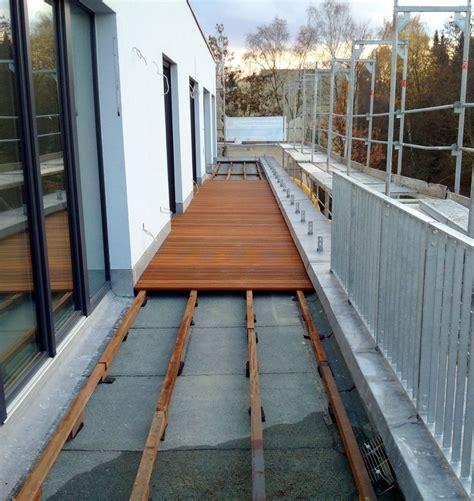 len für wohnzimmer holz kunststoff terrasse plastik terrassen len tapeten