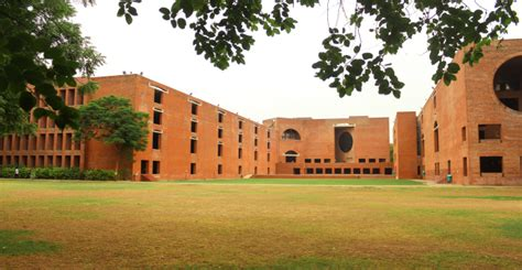 Iim Ahmedabad Cut 2017 For Mba by Prof Errol D Souza Appointed Director In Charge Of Iim