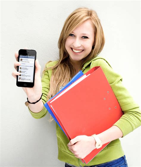 how to take better photos with iphone how to take great yearbook photos with an iphone