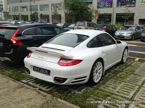 porsche singapore porsche 911 spotted in singapore singapore on 01 20 2013