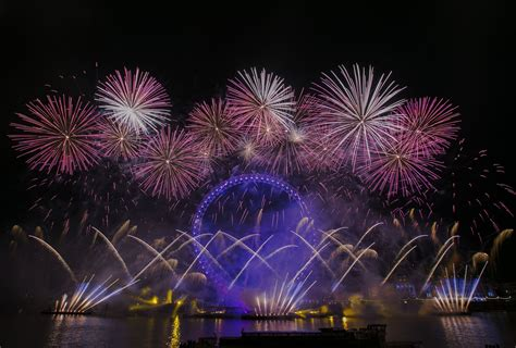 new year s celebrations 3 days 2 nights nordic visitor it s 2016 somewhere midnight around the world