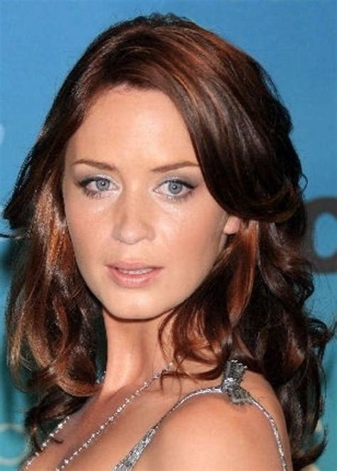 actress short auburn hair dark brown auburn emily blunt 25 celebrities that
