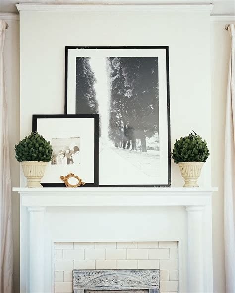 Modern Mantel Decor by Decorating Your Mantelpiece For