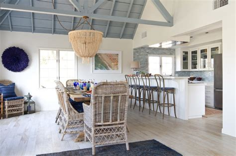 Cabin Style Houses Beach Cottage In Oceanside Beach Style Dining Room