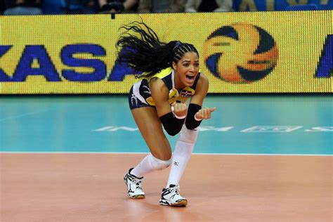 libero volleyball height brenda castillo the little giant libero of dominican republic