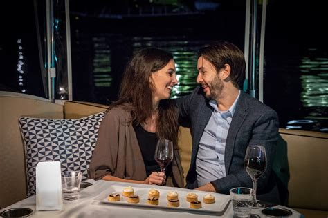 boat cruise dinner melbourne romantic dinner and sightseeing boat cruises on the yarra