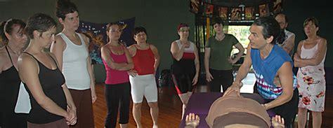 lomi lomi draping sacredlomi com learn lomi lomi massage workshops