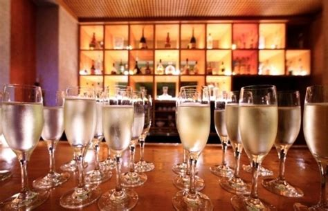 open bar vs signature drink