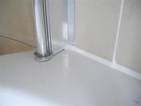 Repair Shower Door Bottom Seal Where To Seal Shower Screen And How To Cut Bottom Seal Diynot Forums