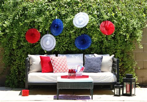4th of july backyard party ideas celebrate fourth of july party spread lauren conrad