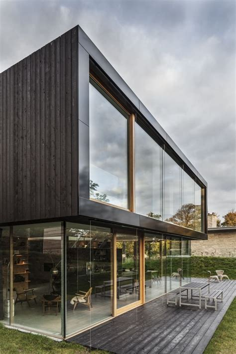 Modern Glass House Decked Architecture Wooden Deck Outdoor Table Glass House Energy Efficient
