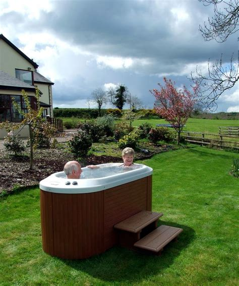 Outdoor Spas And Tubs Tub Reviews And Information For You Outdoor Tub
