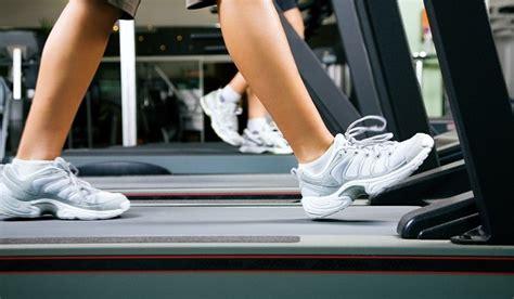 walking tappeto praticare in palestra il walking o walk exercise pro e contro