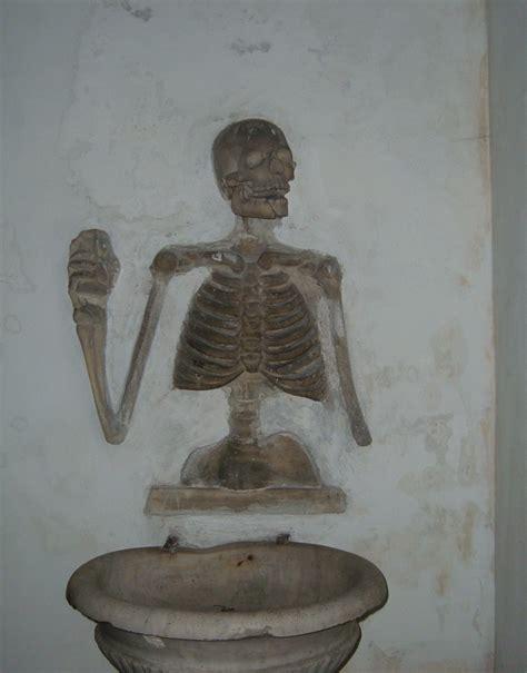 consolazione morte file regola s dell orazione e morte cripta jpg