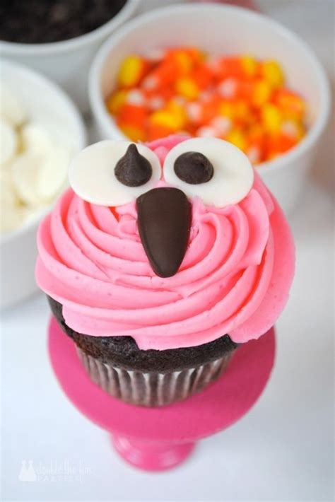 7 Adorable Ways To Decorate A Cake by Easy Way To Decorate Owl Cupcakes Tutorial Owl