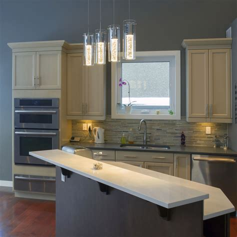 minimize costs by doing kitchen cabinet refacing