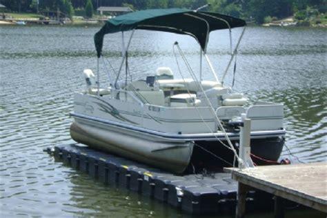 how to dock a pontoon boat in a slip pontoon boat lifts pontoon floating docks
