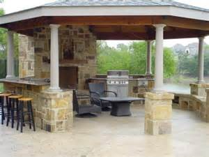 outdoor kitchen roof ideas 51 best images about outdoor kitchen on pinterest