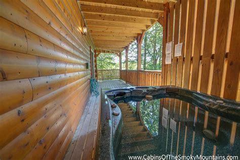 gatlinburg cabins 10 bedrooms gatlinburg cabin cherokee ridge 3 bedroom sleeps 10