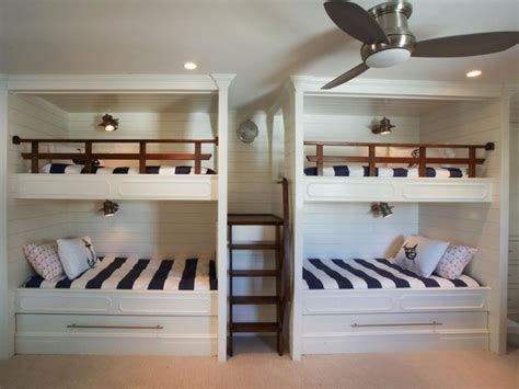 Bunk Beds For 4 by Best 25 Custom Bunk Beds Ideas Only On