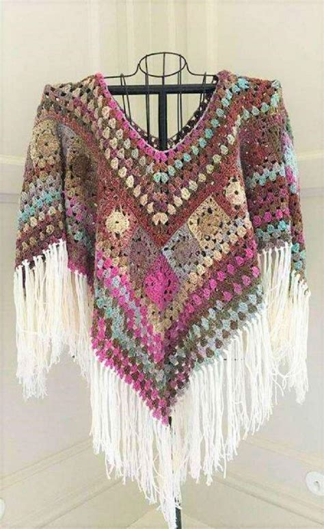 7 Beautiful Ponchos by 25 Best Ideas About Crochet Poncho Patterns On