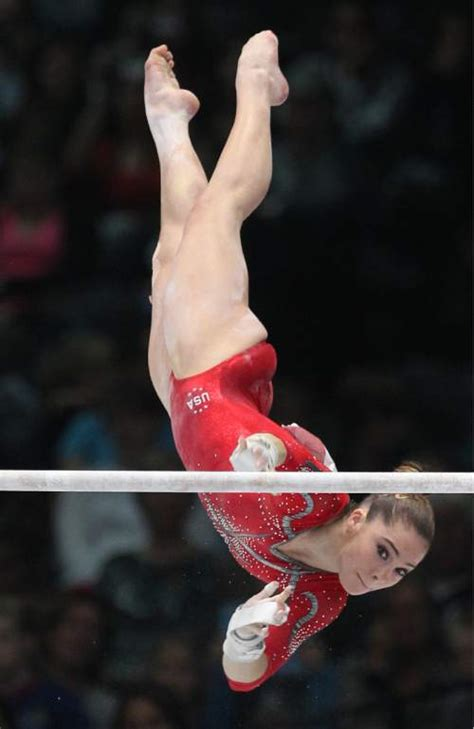 olympic gymnast mckayla maroney announces end of competitive career olympics fierce five gymnast maroney steps away from