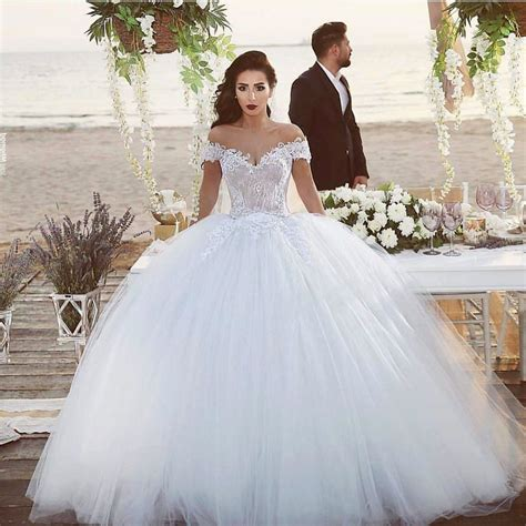 Beautiful Wedding Dresses by Top Ten Most Beautiful Wedding Dresses In The World