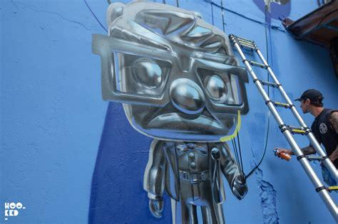 gambar graffiti  balloons   contoh