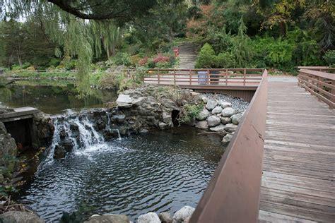 Toronto Botanical Gardens Gardens Toronto Ontario Images