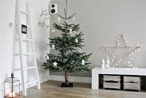 wohnzimmer dekoriert wohnzimmer weihnachtlich dekorieren wohnkonfetti