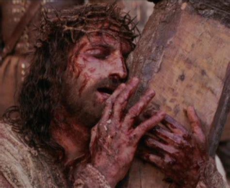la pasion de jesucristo ugly love eyes wide open