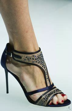 toe crs in bed 1000 ideas about sandalia azul on sandals