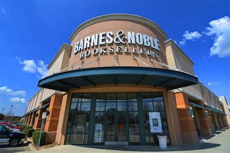 Where Can I Buy A Barnes And Noble Gift Card - barnes noble founder riggio hopes to buy back business wall street insanity