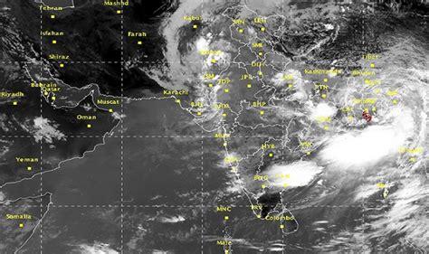 cyclone komen mass evacuation in bangladesh heavy