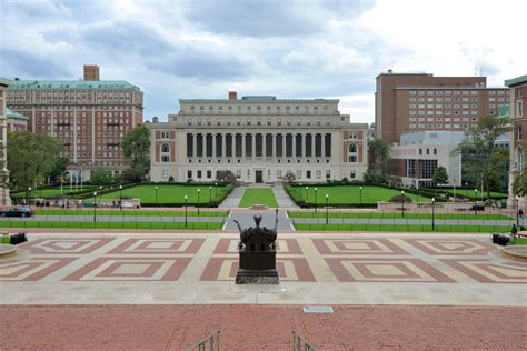 Columbia Mba Login by Janitor Suing Columbia Work Environment