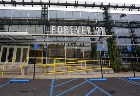 Forever 21 Corporate Office by Los Angeles 11 29 12 Day 2 Nitrolicious