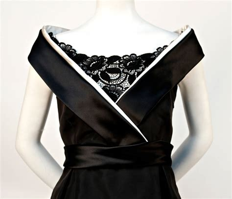 Mcqueens Mcq Lace Insert Evening Gown by 2006 Mcqueen Black Dress With Raised Portrait