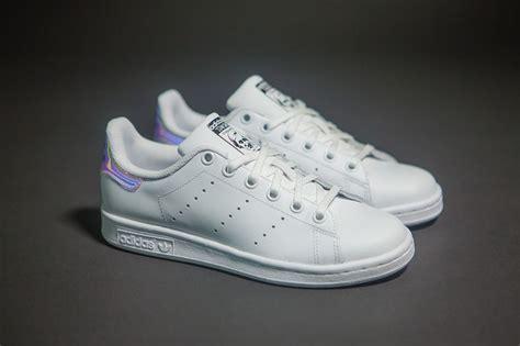 Adidas Stansmith Hologram Anak Pink adidas stan smith hologram iridescent aq6272 femme blanc