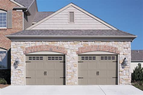 Carriage style garage doors overlay designs top notch garage door