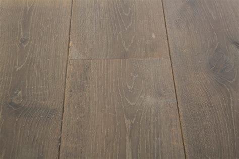 3 Oak Floor Product   Distressed Vendome