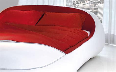 bettdecke zusammenlegen zip bed ein futuristisches designer bett mit rei 223 verschluss