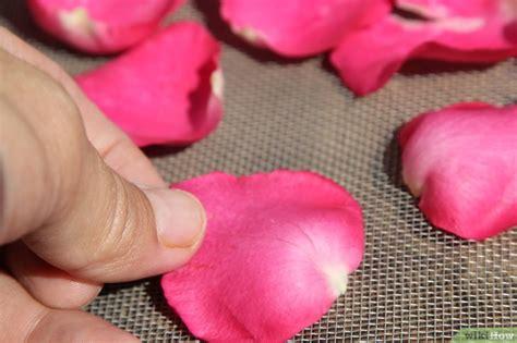 candele e petali di rosa candele ai petali di ecco come farle
